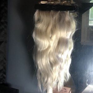 "Bellami x Dove Cameron 20"" clip in hair"